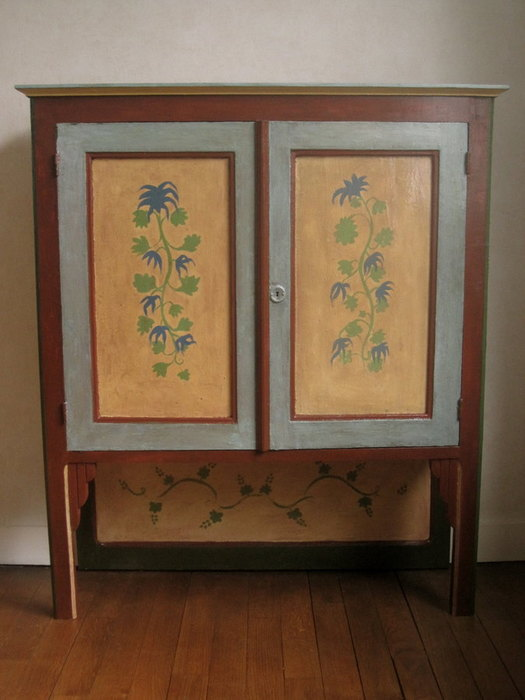 Meuble buffet ancien en bois d cor et peint la main for Meuble non peint